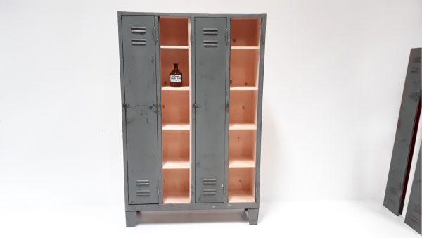 Der ID-Spind kann immer wieder durch das Ein- und Aushängen der Türen optisch verändert werden..
