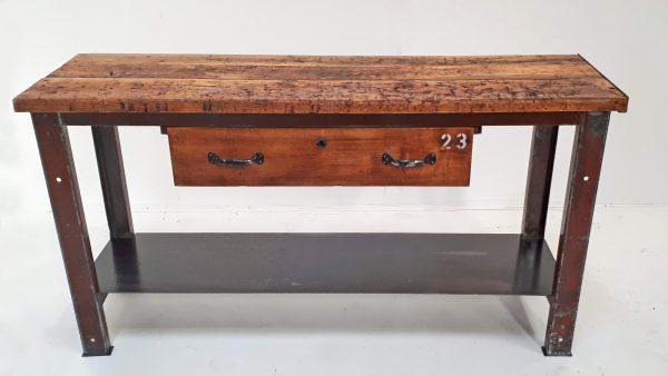 Wunderschön überarbeitetes Sideboard gefertigt aus einer Werkbank