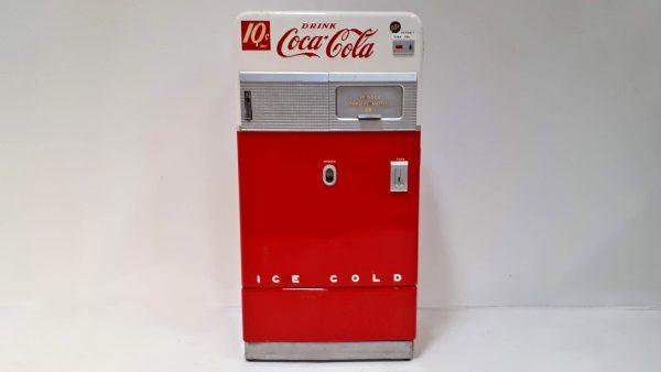 Besondere Rarität: Vendo Cola-Automat voll funktionstüchtig